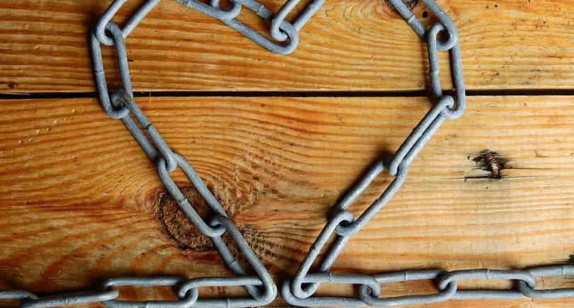 Le dipendenze affettive in chiave sistemico-strategica